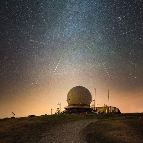 Wasserkuppe mit Sternen bei einem Nachtfotografie Kurs